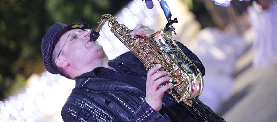 Саксофон музыка для любого случая, в любом месте и многое другое ...